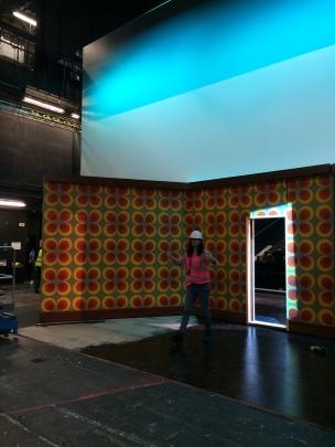 kitchen walls onstage